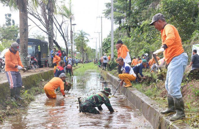 Peringati HPSN, Kegiatan Bersih-bersih Fokus di Hutan Kota Bunda Hayati