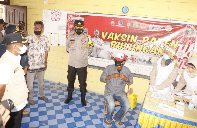 Bupati Tinjau Vaksinasi di SP 1 Tanjung Buka